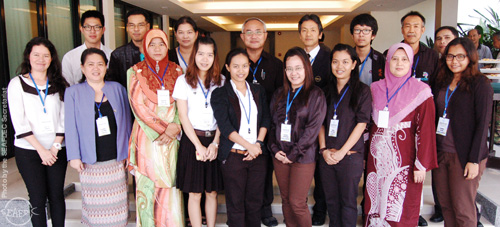 2013 meeting of officials and information officers from the SEAFDEC Secretariat and its Departments. AQD was represented by development communication head Ms. Mila Castaños (first row, second from right) and librarian Mr. Elvi Nemiz (second row, first from left)