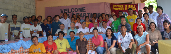 The Japanese delegates with the Tigbauan and Guimaras fisherfolk and AQD senior and junior staff