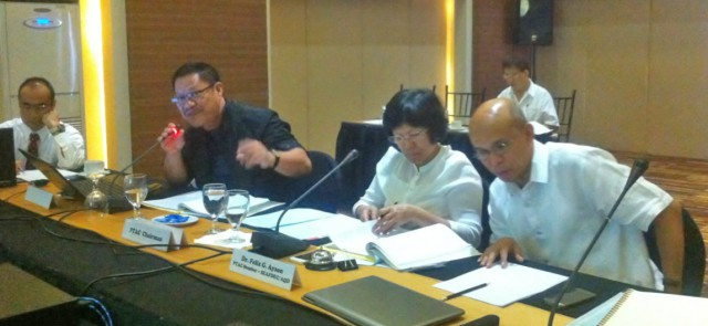 rightmost to left – Dr. Felix Ayson,  SEAFDEC/AQD Chief; Mrs. Drusila Esther Bayate, BFAR Assistant Director for Technical Services; Dr. Crispino Saclauso, Dean of UPV College of Fisheries and Ocean Sciences and Dr. Takuro Shibuno, SEAFDEC/AQD Deputy Chief, during the PTAC meeting.