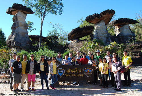 SEAFDEC/AQD participants with other meeting delegates during the field trip held in Pha Taem National Park located in Northeast of Ubon Ratchthani City