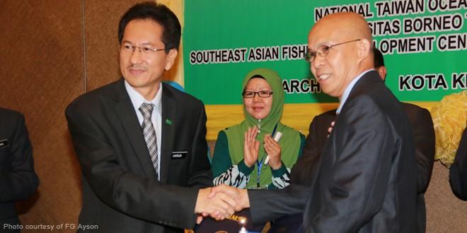UMS Vice Chancellor Prof. Datuk Dr. Mohd. Harun Abdullah and AQD Chief Dr. Felix Ayson
