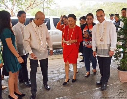 AQD Chief Dr. Felix Ayson (L) and Deputy Chief Dr. Takuro Shibuno welcome Senator Cynthia Villar