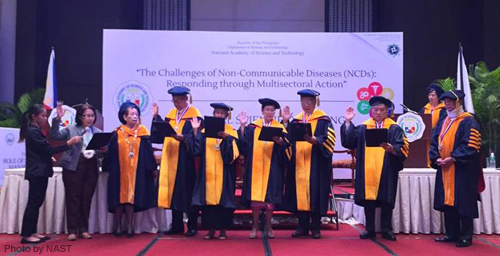 Dr. Jurgenne H. Primavera (5th from left) during her oath-taking as one of the new academicians of the National Academy of Science and Technology, Philippines  (photo by NAST)