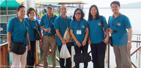 AQD team (left to right - Dr. J. Lebata-Ramos, Dr. E.G de Jesus-Ayson, Dr. F.G. Ayson, Dr. T. Shibuno, Dr. N.D. Salayo, Ms. B. Acosta, and Dr. J. Altamirano) during the field trip of participants to blue-swimming crab farm in Pattaya.