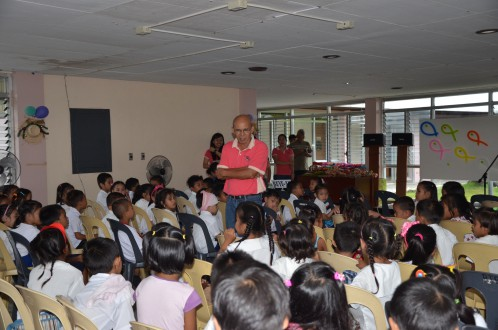 AQD Chief Dr. Felix Ayson give a  christmas message to the children