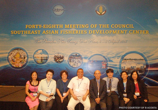 (L-R) SEAFDEC/AQD delegates Ms. J. Gelvero, Ms. A. Ortiz, Dr. E.G. Ayson, Dr. F.G. Ayson, Dr. C. Nakayasu, Ms. J. Rillo and Ms. B. Acosta) with Mr. R. Ramiscal, Head, Capture Fisheries Division, BFAR and SEAFDEC National Coordinator for Philippines (5th from right).