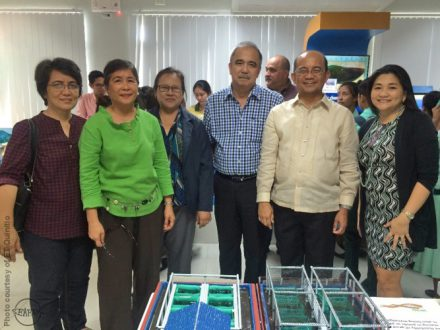 (L-R) SEAFDEC/AQD Scientists Dr. Ma. Rowena Eguia, Dr. Emilia Quinitio, and Dr. Fe Dolores Estepa with former DOST Secretary Engr. Mario Montejo, Acting Executive Director of PCAARRD Dr. Reynaldo Ebora, and former Deputy Executive Director for Research and Development Engr. Ma. Teresa de Guzman